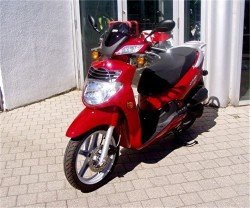 2010 SYM HD200 Red 01